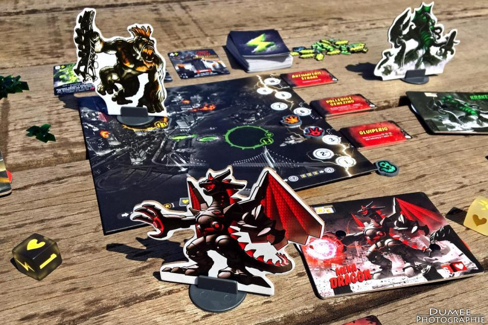 boardgame, dumeeple, king of Tokyo, dark edition, iello
