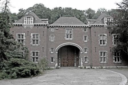 urban exploring, abandoned, schoolbuilding, liege, belgium